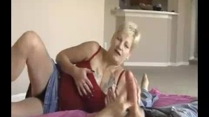 Granny s Handjob While Playing Wet Dripping Pussy
