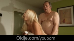 Stunning young blonde seduce and fuck an old grandpa
