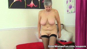 British granny Savana loves showing off her fuckable body
