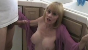 Standup Kitchen Fuck With MILF Step Mom