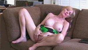 Suck and Fuck For MILF Step Mom Melanie