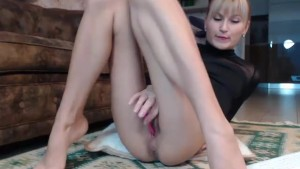 Horny russian whore MILF trying to earn rent
