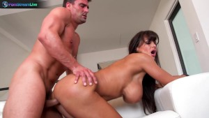 Lisa Ann likes having sex after naughty photoshoot