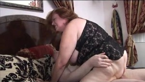 Mature BBW having fun with chubby dude
