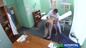 Fake Hospital Doctor finds sexual surprise in patient s wet pussy