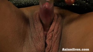 Milf Strong girl Amber pumps her big clit