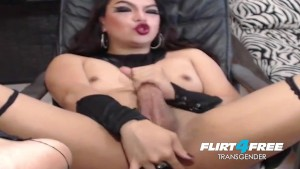 Tgirl Jerking Off Her Cock On Cam