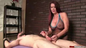 Massaging Babe Has A Big Package If You Really Want