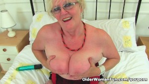 British gilf Claire Knight feels like a good stuffing