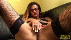 Spex british pussyfingered after handling toy