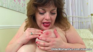 English milf Vintage Fox needs getting off