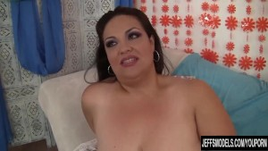 Fat Latina Babe Blows a Dick and Takes It Up Her Pussy