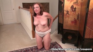 American gilf Melody needs toy