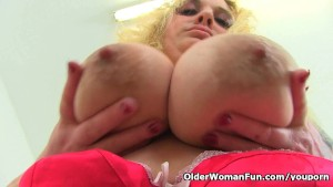 Busty and British milf Sookie Blues fingers her meaty cunt