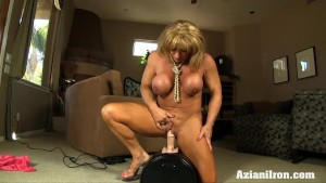 Buff chick Rides Sybian and cums hard