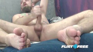 Fetish Master Teases Slave With Feet and Shoots A Big Load