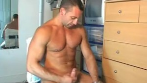 Reno, A nice innocent delivery guy serviced his big cock by a guy!