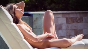 VirtualPornDesire - Gina Gerson Plays by the Pool 180 VR 60 FPS