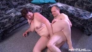 Le chiavate casalinghe di una coppia matura