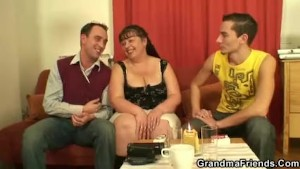 Two dudes screw big boobs mature woman