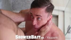 ShowerBait Intense shower fuck with Alexander Volkov and Alex Mecum