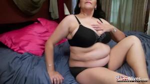 USAwives Super Seductive Mature Chubby Niki Solo