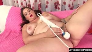 Chunky with a hairy pussy Kailie Raynes uses sex toys