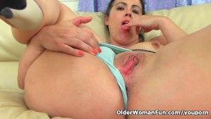 Spanish milf Montse Swinger finger fucks her sweet cunt