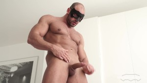 Maskurbate Abs, Pecs and Meaty