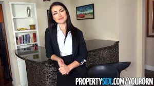 PropertySex - Stunning real estate agent excepts big offer
