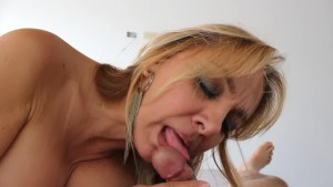 Blonde Slut Gloria Patricia Pulgarin Blowjob Compilation.mp4