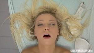Blonde Teen Reaches Orgasm