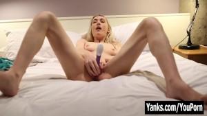 Yanks Lacey's Toe Wiggling Cum