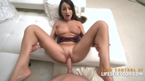 Alyssia Kent - Brunette MILF in HardCore Action