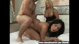 First Threesome With a Gorgeous Shemale - Shemale Fuck Fest