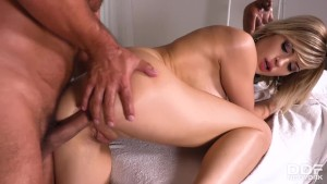 Teenage massage therapist Ria Sunn can't wait to suck & ride client's cock