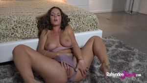 Rahyndee James Horny Pussy Gets Finger Fucked
