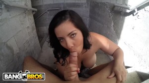 BANGBROS - The Cleaning Lady (Kimberly) Gives Some Damn Good Head, Man