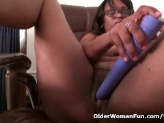 Ebony milf Lexus gives...