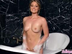 Twistys Solo bath time...