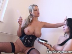 Carol Goldnerova smoking in Busty Ellen face