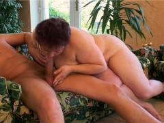 BBW Shakes Her Ass for Cum