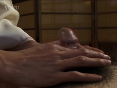 Cock serviced by a cute asian - Pompie