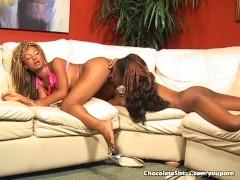 Ebony Lesbians Shove Tongue In Pussy