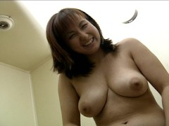 Shy Asian pissing for the camera