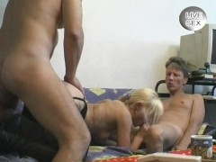Amateur MMF threesome