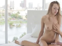 Blonde fucked and liked in art movie