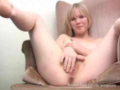 Kinky Eve Kisa fingers her pink bush