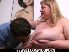 Smart dude picks up BBW and bangs her