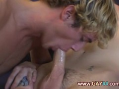 20 years old gays kissing and penetrate